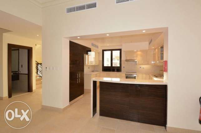 Wide 3 Bed Town House in Qanat Quartier الؤلؤة -قطر -  2
