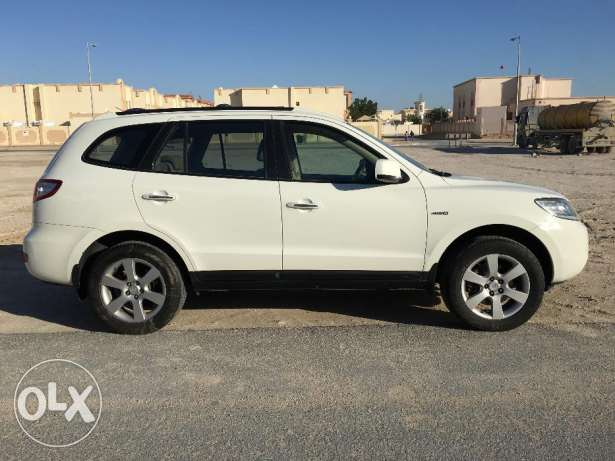 For sale Hyundai Santafe in perfect condition. Family used car.