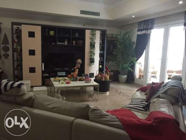 Spacious 2br apartment with maid in Porto Arabia