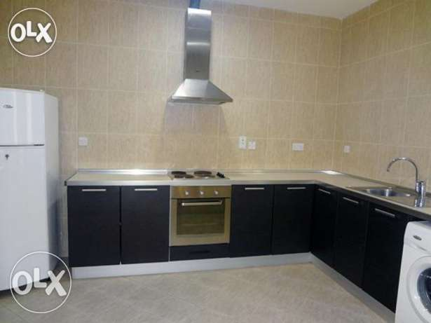 SF 3-Bedrooms Clean Apartment in Fereej Bin Mahmoud /Balcony-QAR.7200