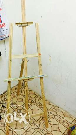 Easel for urgent sale