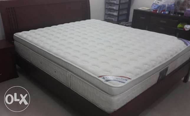King koil (Arabian Nights) Bed with mattress for urgent sale