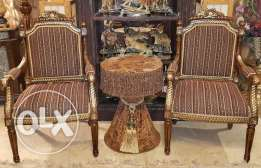 2 armchairs with table