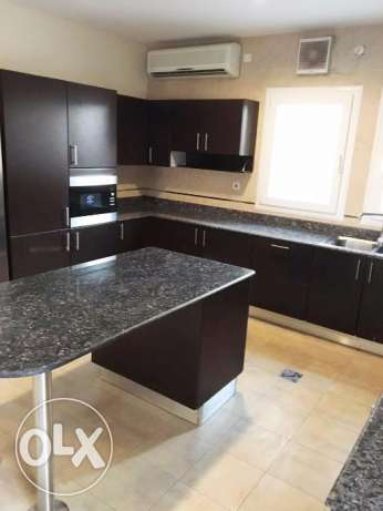 Semi Furnished 4-BHK Compound Villa in West Bay الخليج الغربي -  4