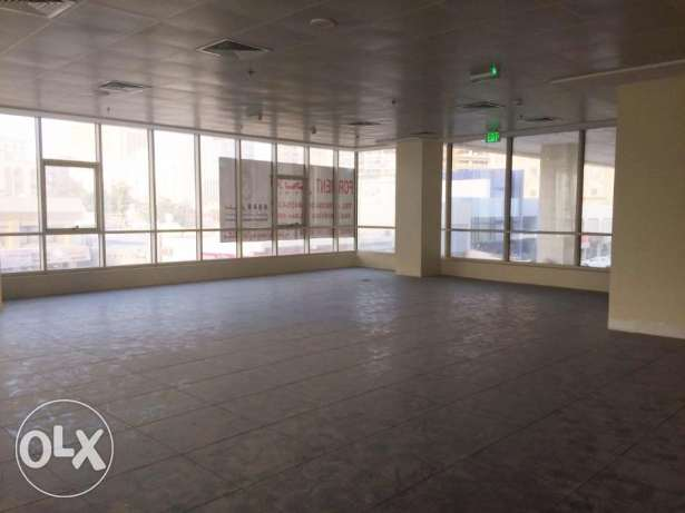 [2- Month Free] Unfurnished 320Sqm Shop for Rent At Bin Mahmoud