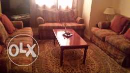 Clean Living room for sale in Good Condition 1100 QAR