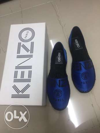 original kenzo shoes only worn once with box only for 500(negotiable)