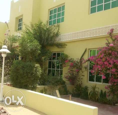 Beautiful S/F 3 B/R Villa near Khalifa Stadium & Villaggio