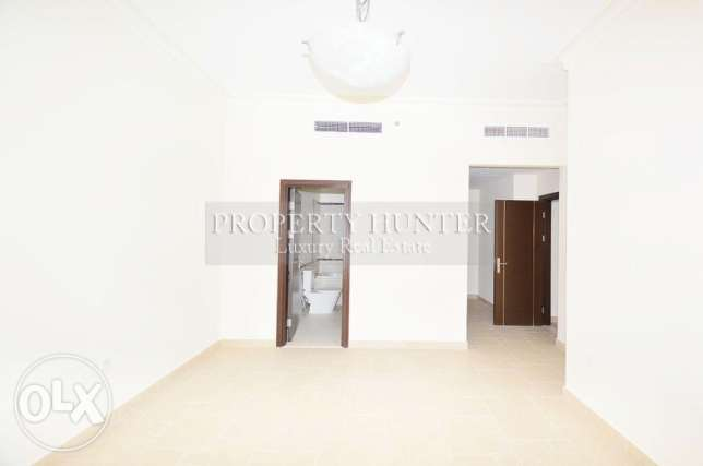 3 bedrooms apartment with canal views الؤلؤة -قطر -  5