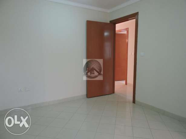 Modern and bright two bedroom apartment in Old airport المطار القديم -  5
