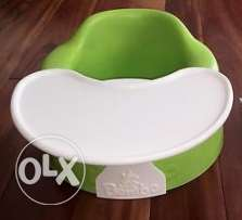 Child seat with tray (Bumbo)