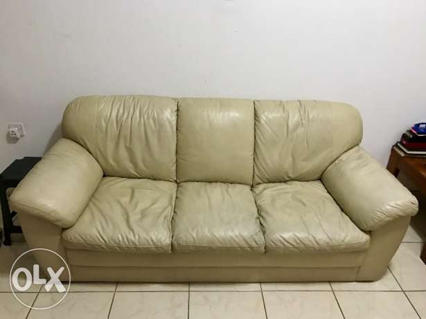 Used Sofa - Faux leather 3+2