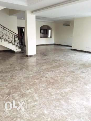 Semi Furnished 4-BHK Compound Villa in West Bay الخليج الغربي -  2