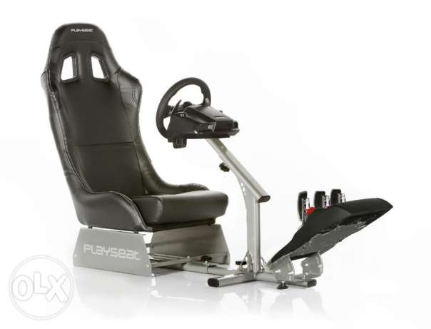 Playseat Evolution Gaming Seat مطار الدوحة -  3