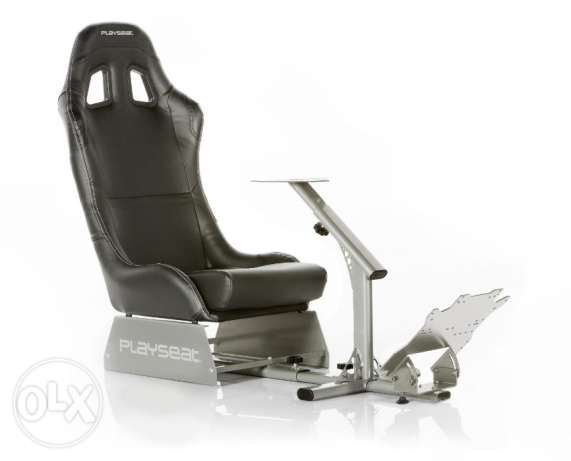 Playseat Evolution Gaming Seat مطار الدوحة -  1