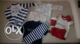 4 velor touch pyjamas sets like new (12 to 18 months)
