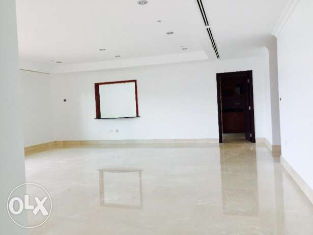 PAT16 - Semi Furnished 3 Bedroom Apartment (Marina Views w Balcony)