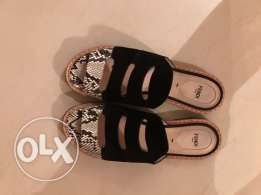 Fendy flat size 39