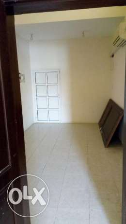 2BHK with 2 Bathroom in matakhadeem close to lulu hyper market