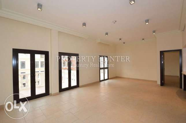 Lively Environment 3 Bed Home in QQ