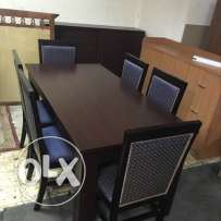 Dining Table Selling with 6 Cheer