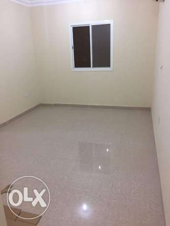 Stylish Brand New 2 Bhk Flat Bin Omran:6000/-