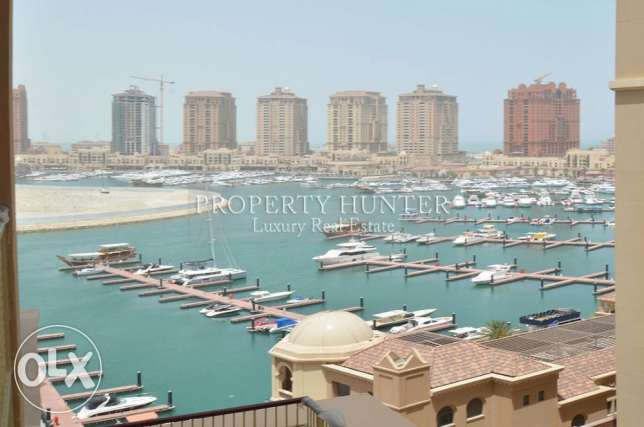 1 Bed + MR home overlooks the Marina