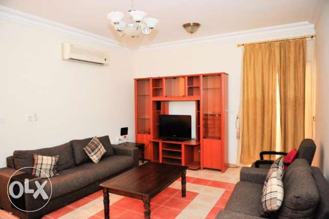 Fully-Furnished 1-Bedroom Flat in [Bin Mahmoud] فريج بن محمود -  2