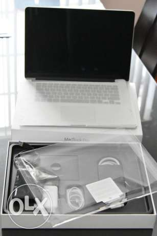 macbook pro 2015 of 15.4 inches 256gb with 2tb external hard drive