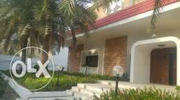 Big villa service to rent 2500 mitr