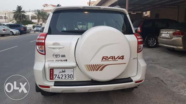 Toyota rav 4 full option 2009 4/4 very clean