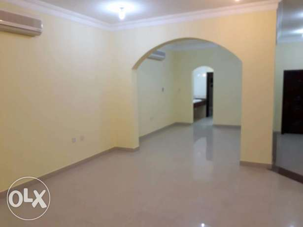 Peaceful Compound villa with 5 bedroom for rent at Duhail--فيلا هادئة