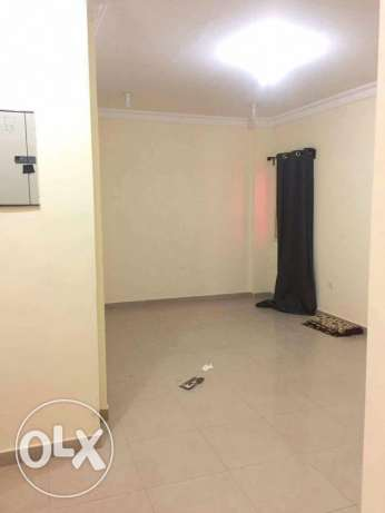 Unfurnished 1-Bedroom Flat in Umm Ghwailina