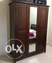 3 doors wardrobe excellent condition wardrobe